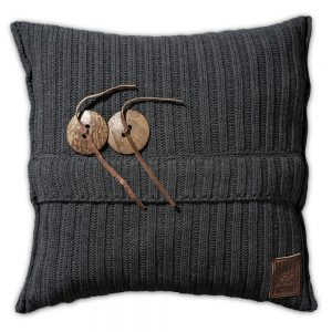 Blankets, Throws & Pillows