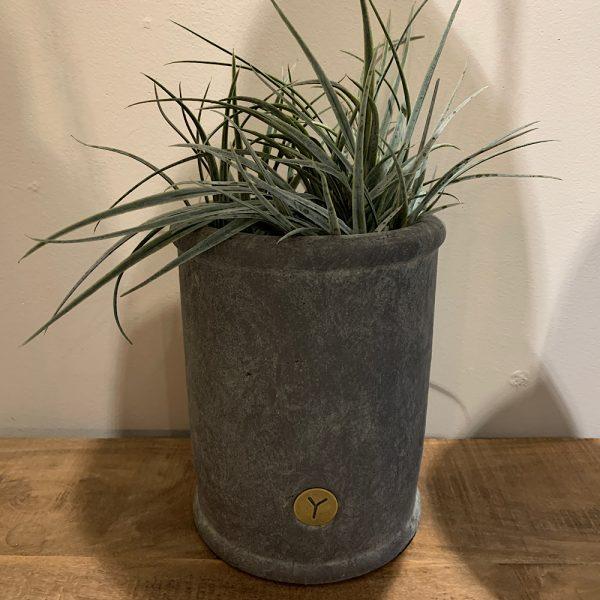 Brynxz planter